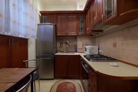 Сдается 1-комнатная квартира посуточно в Львове, пр.Черновола, 1.