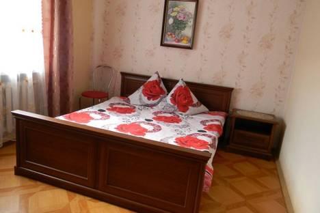 Сдается 5-комнатная квартира посуточно в Севастополе, улица Новикова 51.