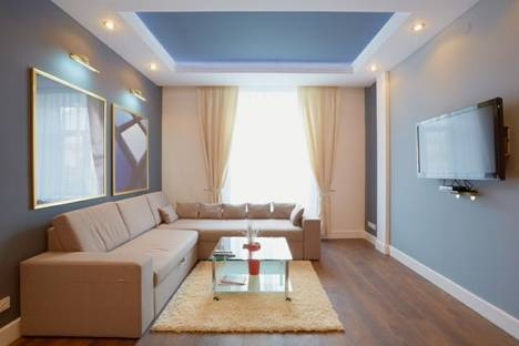 Сдается 2-комнатная квартира посуточно в Львове, просп. Свободы 24.
