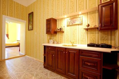 Сдается 1-комнатная квартира посуточно в Львове, просп. Свободы 26.