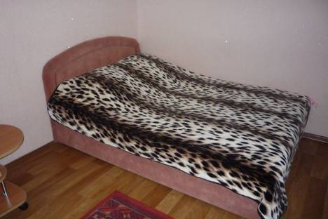Сдается 1-комнатная квартира посуточно в Харькове, ул. Героев Труда 32.