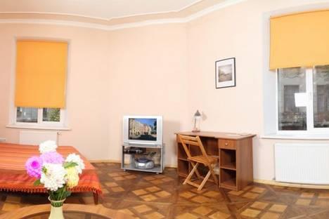 Сдается 1-комнатная квартира посуточно, улица Александра Кониского.