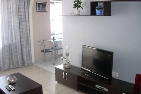 Сдается 2-комнатная квартира посуточно в Запорожье, ул. Сталеваров, 23.