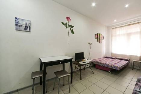 Сдается 1-комнатная квартира посуточно в Ивантеевке, Лесные поляны, ул.Солнечная, 26.