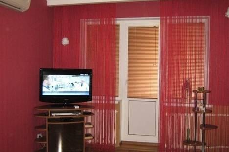 Сдается 2-комнатная квартира посуточно в Кривом Роге, Мануйлова улица, д. 20.