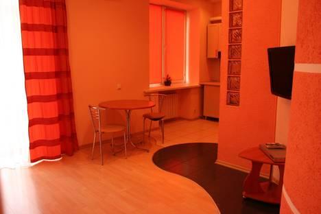 Сдается 2-комнатная квартира посуточно в Кривом Роге, ул. Постышева, 7.