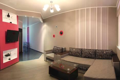 Сдается 2-комнатная квартира посуточно в Николаеве, Декабристов, 23а.