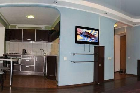 Сдается 1-комнатная квартира посуточно в Луганске, Титова ул., 11.