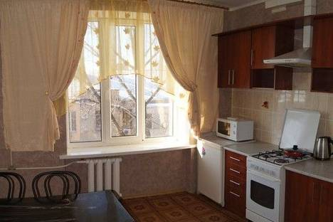 Сдается 2-комнатная квартира посуточно в Луганске, ул.Демёхина,27.