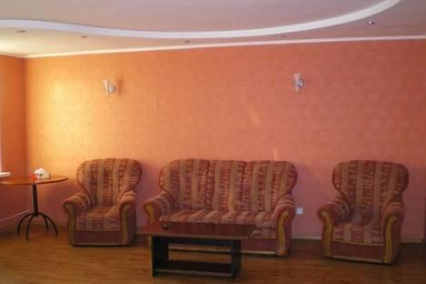 Сдается 2-комнатная квартира посуточно в Луганске, пл. Героев ВОВ, 7.