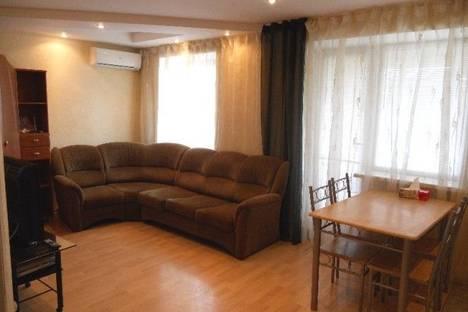 Сдается 2-комнатная квартира посуточнов Луганске, Сент-Этьеновская ул., 19.