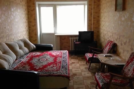 Сдается 1-комнатная квартира посуточнов Новомосковске, ул. Мичурина,  д 1А.