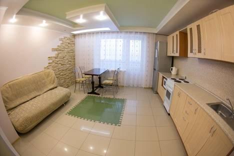 Сдается 2-комнатная квартира посуточнов Нефтеюганске, 15 микрорайон дом 11.