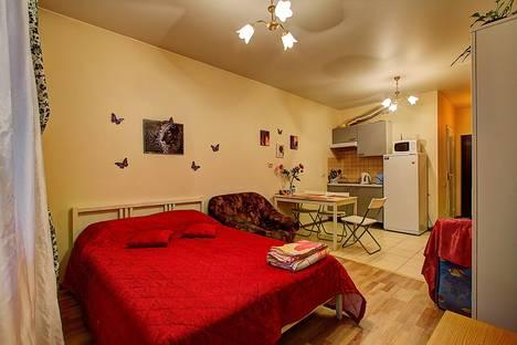 Сдается 1-комнатная квартира посуточно, Варшавская ул., 19.
