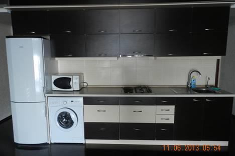 Сдается 3-комнатная квартира посуточно в Керчи, Кирова 62.