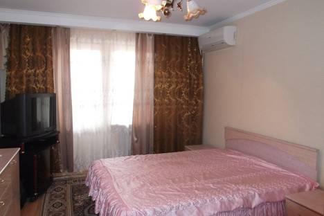 Сдается 1-комнатная квартира посуточно в Благовещенске, ул. 50 лет Октября, 27.