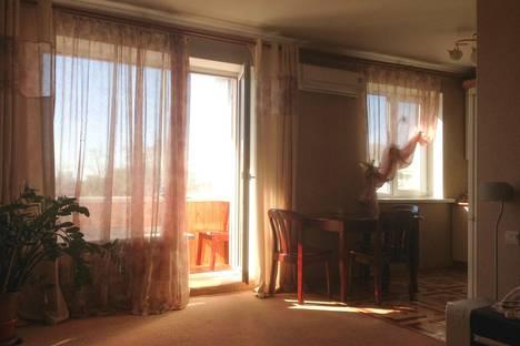 Сдается 1-комнатная квартира посуточно в Благовещенске, Мухина 3.