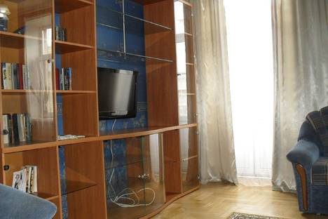 Сдается 2-комнатная квартира посуточнов Санкт-Петербурге, ул. Варшавская, 16.
