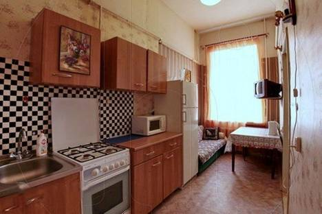 Сдается 1-комнатная квартира посуточнов Санкт-Петербурге, ул. Рубинштейна, 3.