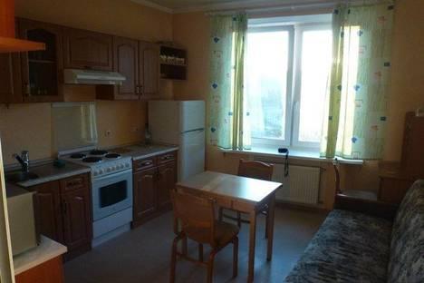 Сдается 1-комнатная квартира посуточнов Санкт-Петербурге, ул. Кораблестроителей, 32.