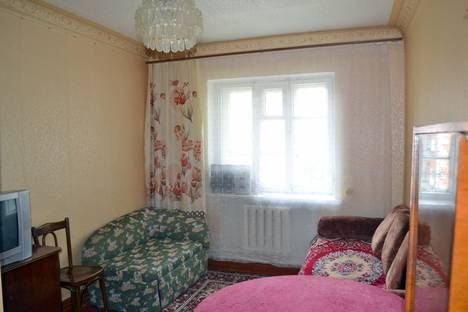 Сдается 1-комнатная квартира посуточно в Пскове, шоссе Крестовское, 102.