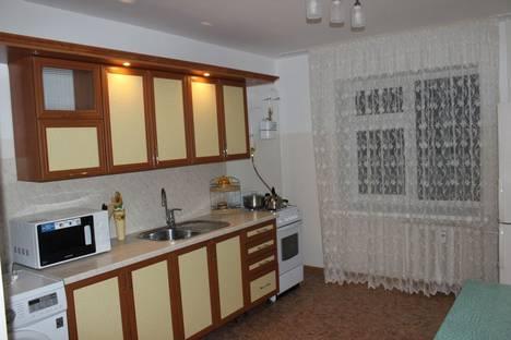 Сдается 2-комнатная квартира посуточно в Альметьевске, Ленина 201.