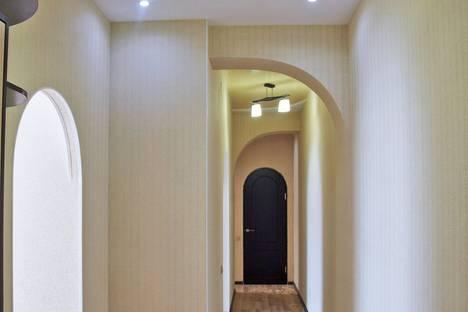Сдается 2-комнатная квартира посуточно в Нижнем Тагиле, ул. Циолковского, 28.