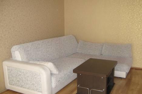 Сдается 2-комнатная квартира посуточнов Барнауле, Молодежная, 44.