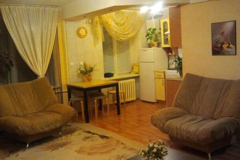 Сдается 2-комнатная квартира посуточно в Альметьевске, ул. Ленина, 70.