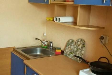 Сдается 1-комнатная квартира посуточно в Яровом, Яровое, ул. 40 лет Октября, 7.