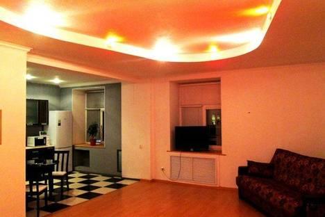Сдается 1-комнатная квартира посуточнов Череповце, ул. Ленина, 90.