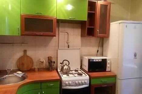 Сдается 1-комнатная квартира посуточно в Нижнем Тагиле, ул. Садовая, 97.