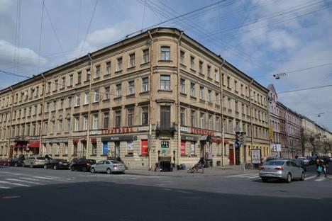 Сдается 2-комнатная квартира посуточнов Санкт-Петербурге, ул. Маяковского, 16.