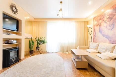 Сдается 2-комнатная квартира посуточнов Челябинске, ул. Художника Русакова, 2.