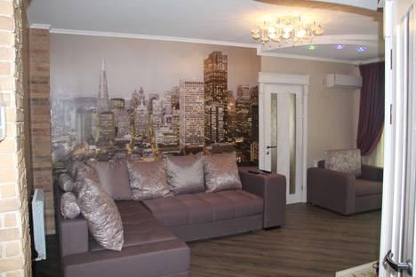 Сдается 2-комнатная квартира посуточнов Усть-Лабинске, Ленина 74.