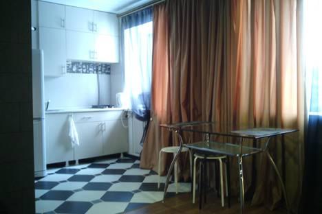 Сдается 2-комнатная квартира посуточново Владимире, Ноябрьская, 4.