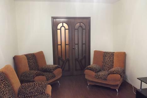 Сдается 2-комнатная квартира посуточно в Волгограде, ул. 8-й Воздушной Армии,19.