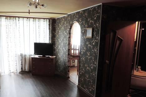 Сдается 1-комнатная квартира посуточно в Комсомольске-на-Амуре, Октябрьский проспект, 32.