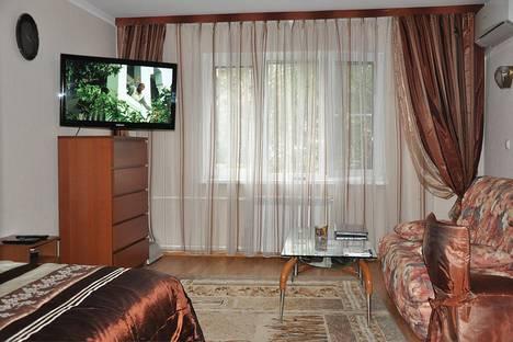 Сдается 1-комнатная квартира посуточно в Сочи, ул. Гагарина, 18.