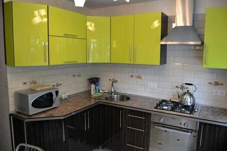Сдается 2-комнатная квартира посуточно в Сочи, ул. Роз, 50.