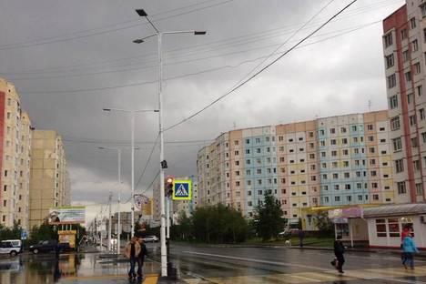 Сдается 2-комнатная квартира посуточно в Надыме, ул. Зверева, 15.