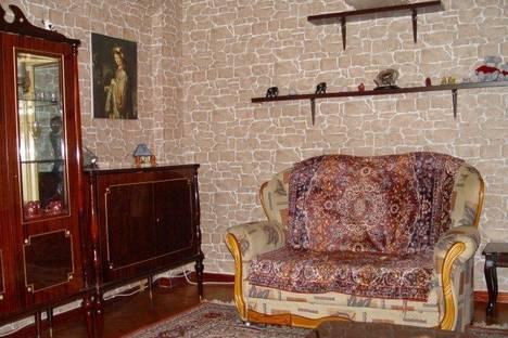 Сдается 2-комнатная квартира посуточно в Алматы, Розыбакиева 68.
