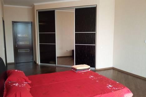 Сдается 2-комнатная квартира посуточно в Алматы, Солодовникова 32.