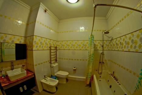 Сдается 2-комнатная квартира посуточно в Алматы, Абая 150.