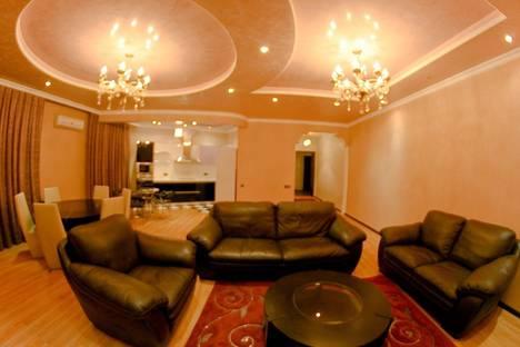 Сдается 2-комнатная квартира посуточнов Алматы, Абая, 126.