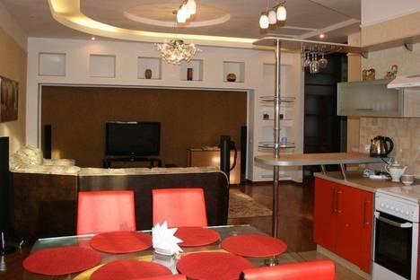 Сдается 3-комнатная квартира посуточно в Алматы, Шевченко 65.