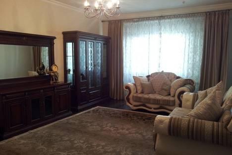 Сдается 3-комнатная квартира посуточнов Алматы, Муканова Курмангазы 7.
