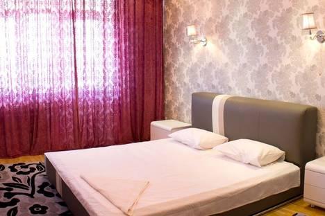 Сдается 3-комнатная квартира посуточно в Алматы, Тургут Озала - Абая 69.