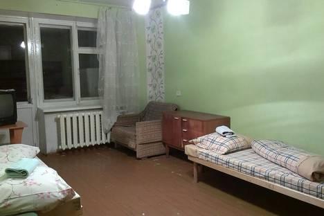 Сдается 2-комнатная квартира посуточно в Глазове, переулок Средний, 2.