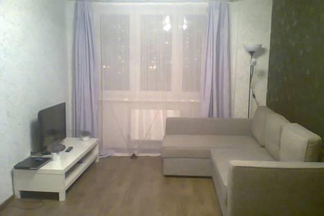 Сдается 1-комнатная квартира посуточнов Кстове, Краснозвездная ул., 31.